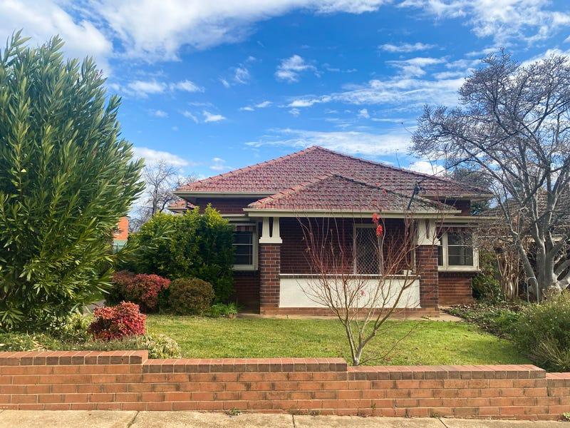 8 Heath Street, Turvey Park, NSW 2650