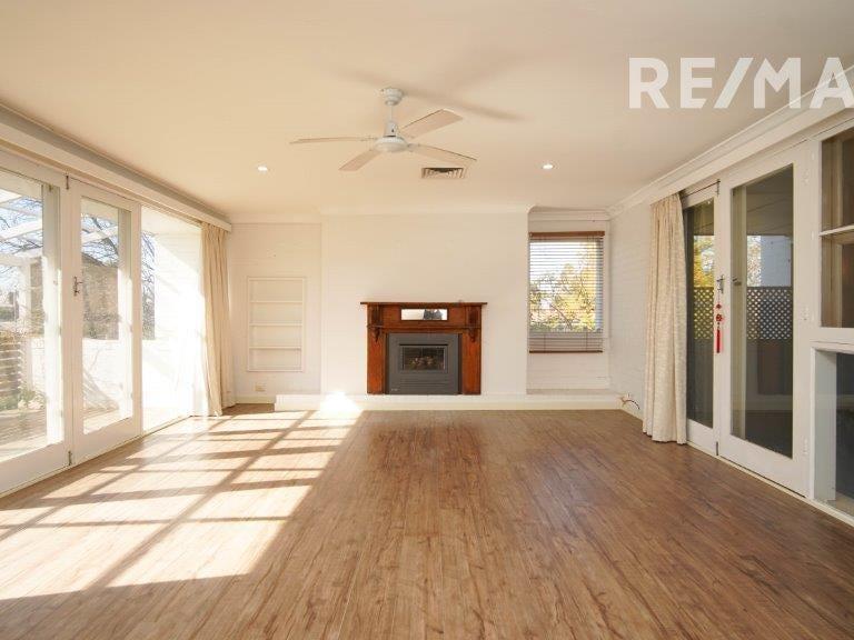 340 Lake Albert Road, Kooringal, NSW 2650