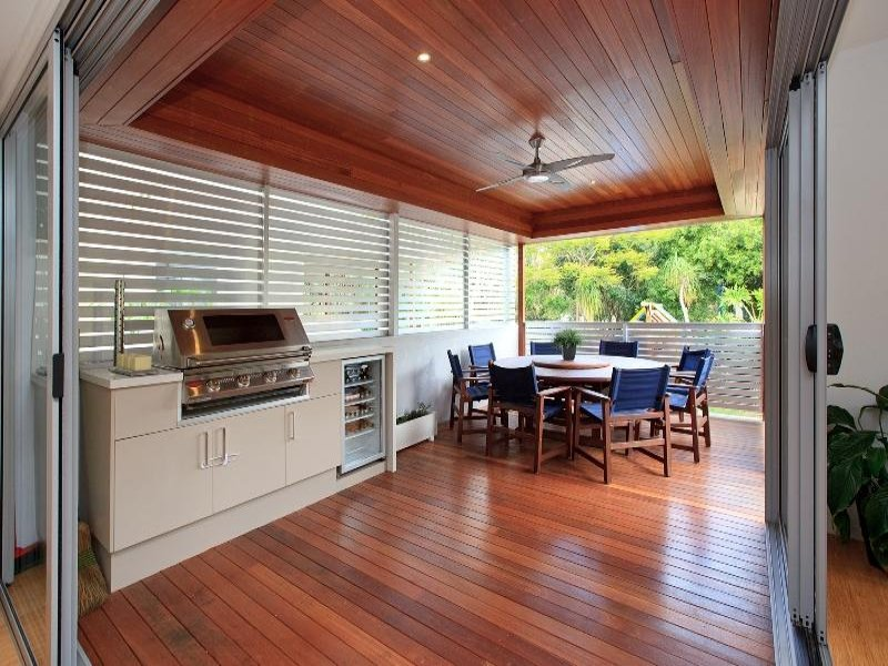 Outdoor living design with balcony from a real Australian ... on Aust Outdoor Living id=37042